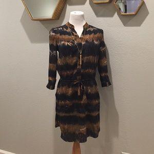 Dresses & Skirts - Work friendly patterned dress!