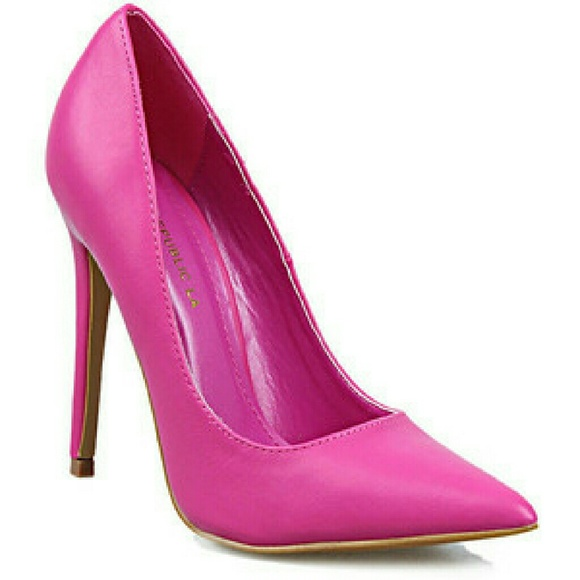 a3247d7cc Shoe Republic LA Shoes | Fuschia Hot Pink Pointed Toe Heels | Poshmark