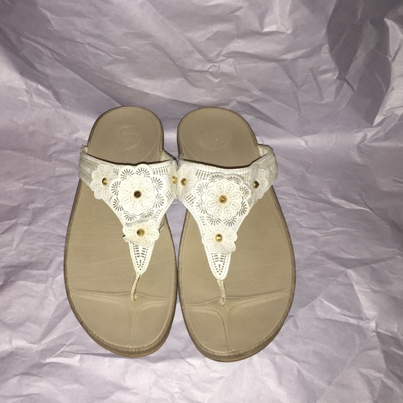 4fb76695c8ba12 Fitflop Shoes - Fitflop sandals with white leather flowers