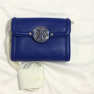 Tory Burch Handbags - New Tory Burch Amanda Chain Wallet