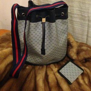 Gucci Handbags - Large GUCCI bucket handbag TOTE + MATCHING WALLET!