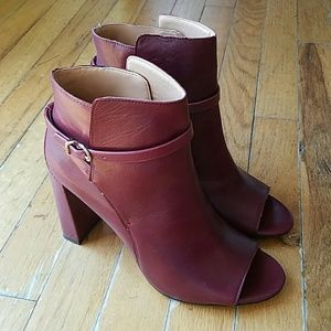 Banana Republic Ankle booties with peep toe