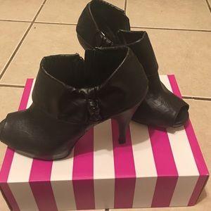 Size 8 shoe