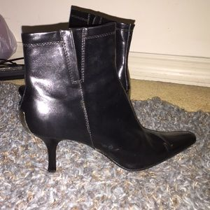 Gomax Shoes - Brand new heeled booties