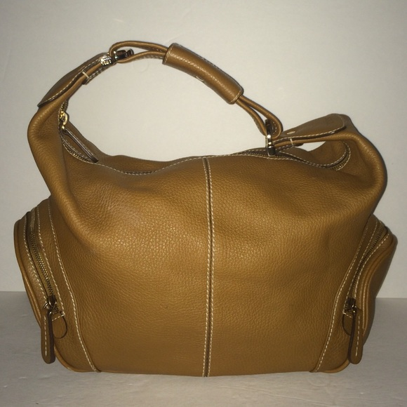 c7ce0ef4f0d0 Tod s Camel Pebbled Leather Side Pocket Hobo Bag. M 578be7125a49d0895300ba63