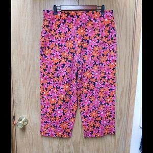 Robbie Bee Pants - Impressive Multi Flowers Cropped Pants