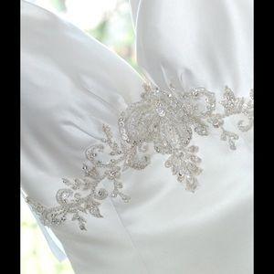 Allure Bridals Dresses & Skirts - Allure Bridal Wedding Dress 6