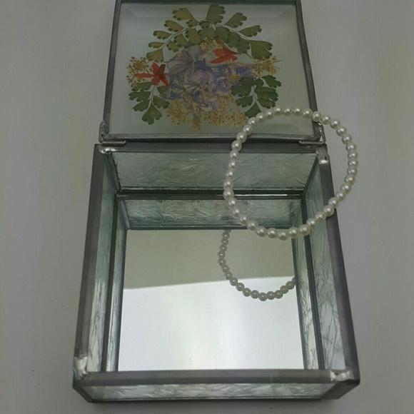 Vintage Jewelry - VINTAGE Handmade Glass Keepsake Box