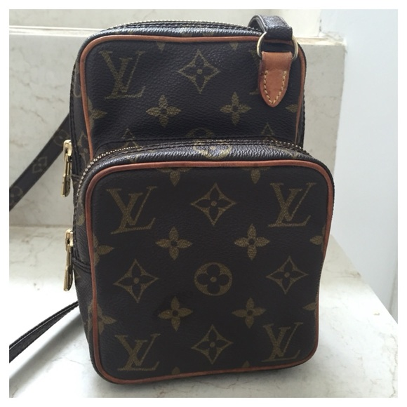 b87051c1c995 Louis Vuitton Handbags - LOUIS VUITTON Monogram Mini Amazon Crossbody