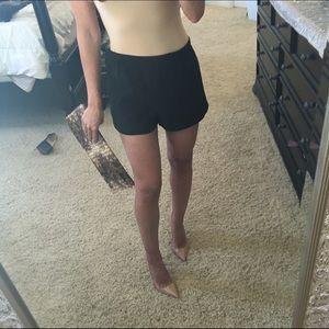 Marc Jacobs black lined fancy shorts sz 2