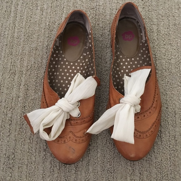 73a722b7a1d bp Shoes - BP Oxford flats with fabric bow!