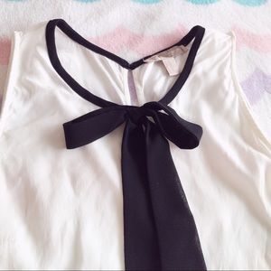 Forever 21 Tops - Black and white bow blouse