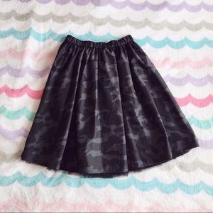 ModCloth Dresses & Skirts - Laforet reversible tulle/camo skirt