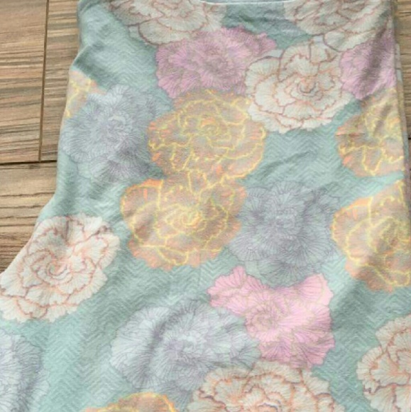 04b6534621fa52 LuLaRoe Pants | Pastel Floral Leggings | Poshmark