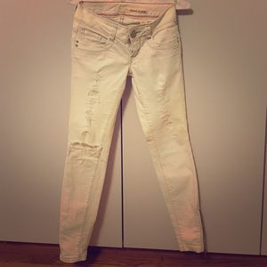 DKNY white slim Jean