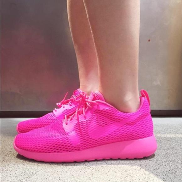 💥NIB💥 Nike women s Roshe One Hyp BR ~ size 12 12f08abf7