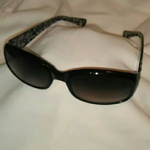 Black and great framed sunglasses