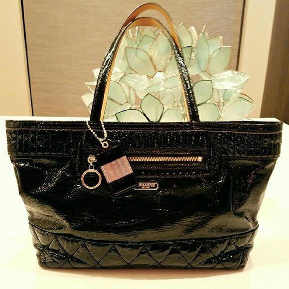 f0fd041419f Coach Handbags - COACH Poppy Tote in Black Patent!