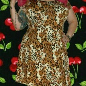 cleo Dresses & Skirts - !!Host Pick!!Fit and flare leopard skater dress