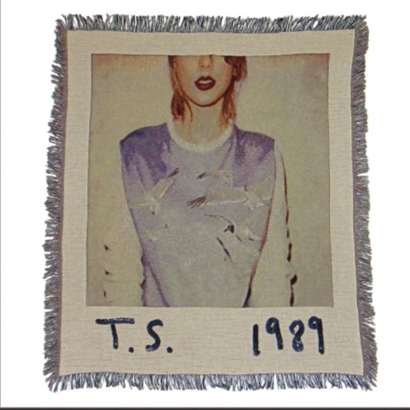 Taylor Swift Accessories 1989 Album Cover Blanket Poshmark