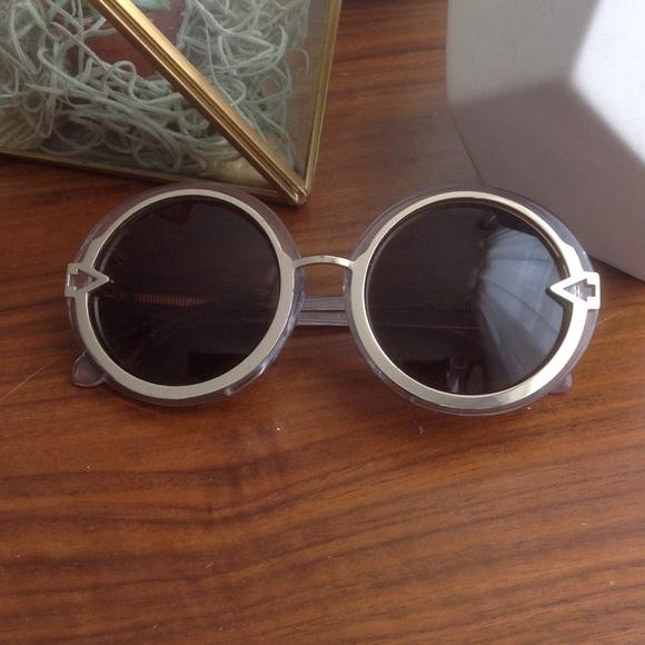 15525e85daf0 Karen Walker Accessories - ⚪ Karen Walker Orbit Sunglasses 🔘