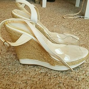 Shoe Dazzle Shoes - Sz 7 white and tan wedges
