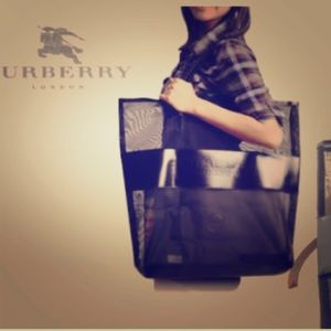 NEW BURBERRY TOTE