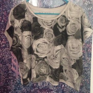Grey crop with printed roses