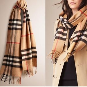 Accessories - Burberry style scarf