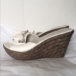 Sotto Sopra Shoes - Sotto Sopra Italy White Leather Bow Light Wedge