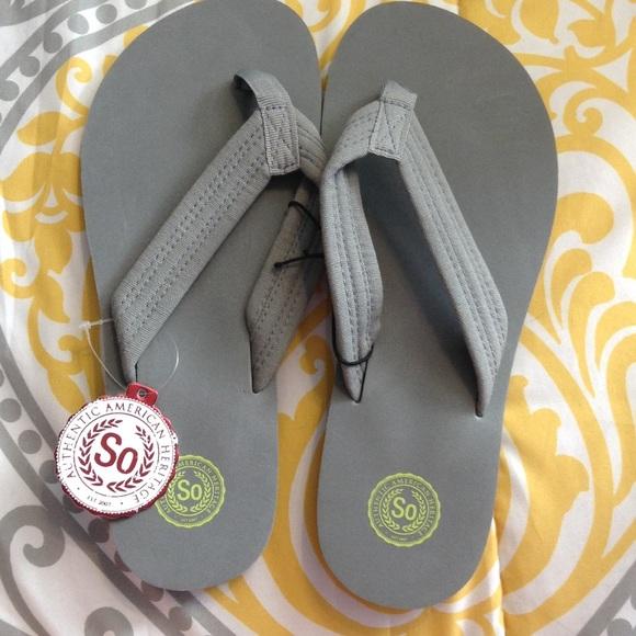 So Kohls Grey Flip Flops Size Large