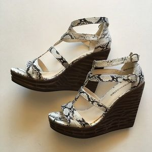 Max & Cleo      Wedge Sandals