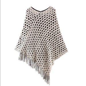 Sweaters - 💞HOST PICK💞 Tassel knit sweater poncho cape