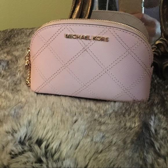 029e7a534e2d Michael Kors Bags | Final Flash Sale Cosmetic Pouch | Poshmark