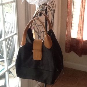 Handbags - Black Leather handbag (MAURIZIO TAIUTI )