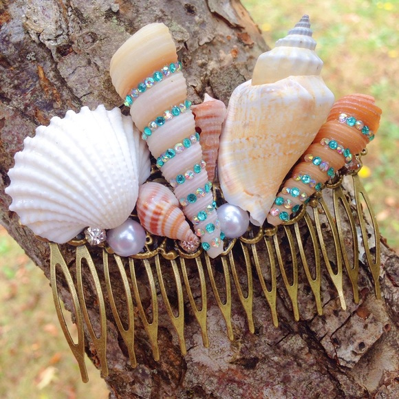 Abbie's ⚓️ Anchor Accessories - Handmade seashell hair comb/mermaid/boho/gypsy