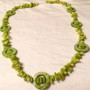 Necklace Set Mother of Pearl and Coral green