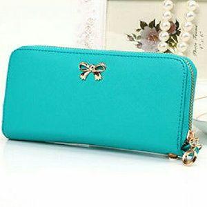 angelochekk boutique  Handbags - NWT WOMEN SOLID WALLET HANDBAG