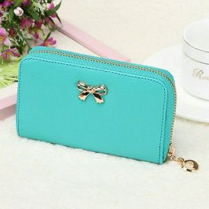 angelochekk boutique  Handbags - NWT SHORT WOMEN SOLID WALLET HANDBAG