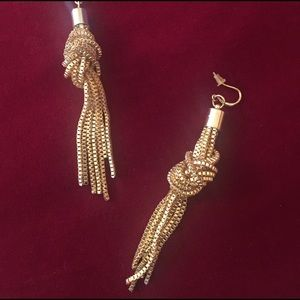 Jewelry - Knotted earrings
