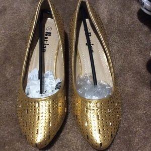Shoes - Gold kitten heels