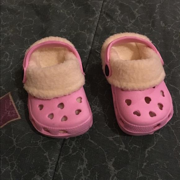 6bd6f37ec1d42 crocs Other - Baby girl 3 pink lined Crocs