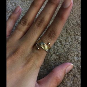 Jewelry - Three tone ring