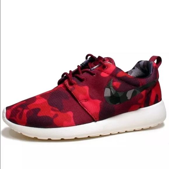 size 40 a1a44 b3218 NEW Nike Womens Roshe One Print Red Camo Rosherun
