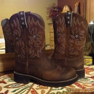 e7c5b35467e Ariat Probaby Driftwood Brown Star Boots