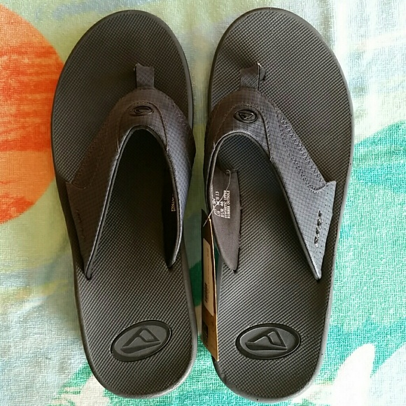 4c36e028e5f2 SOLD OUT Men s Reef bottle-opener flip flops. NWT