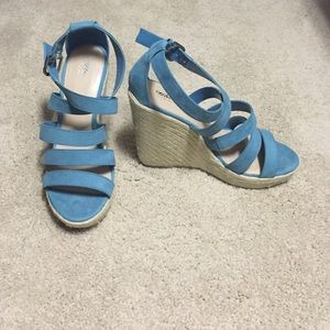 Mossimo Shoes - NWOT Cute teal wedges