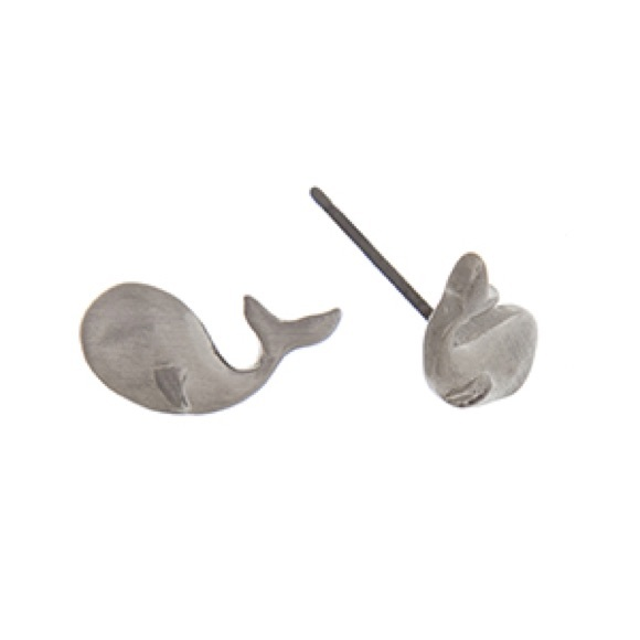 Fresh & Co. Jewelry - 🌎👂🏼🐳Silver Tone Whale Post Earrings
