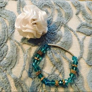 Jewelry - NWOT Fashion embellished bracelet