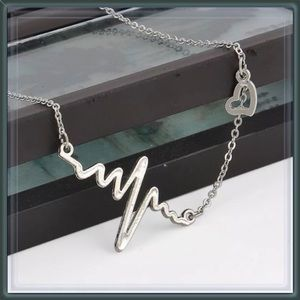 """LAST ONE -  """"To the beat of my heart"""" necklace"""